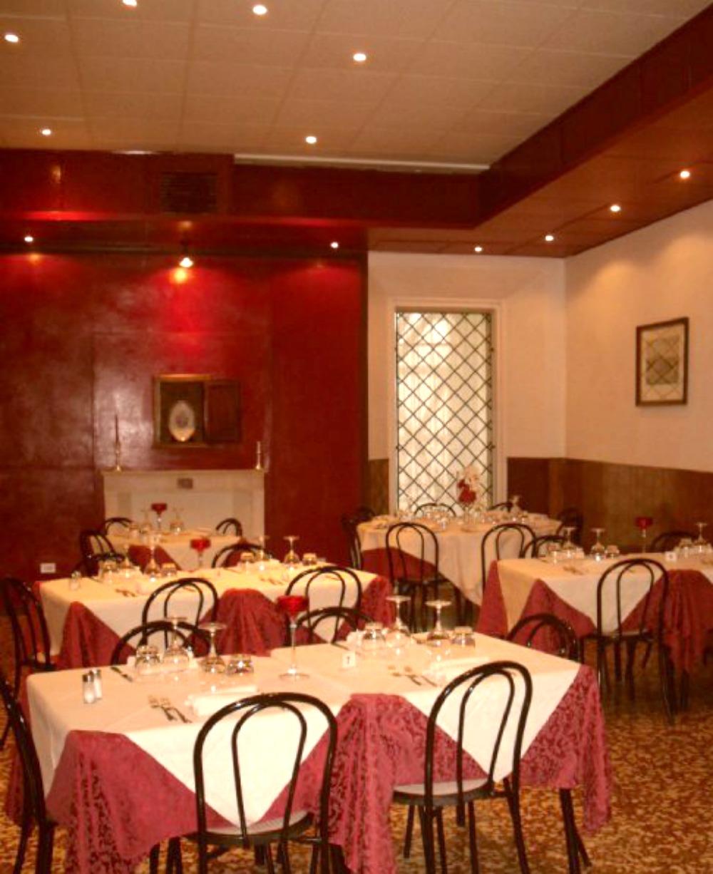 ristorante-interno-osteria-palazzo-ducale-1